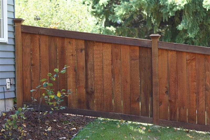 king style wood privacy fences midwest fence. Black Bedroom Furniture Sets. Home Design Ideas