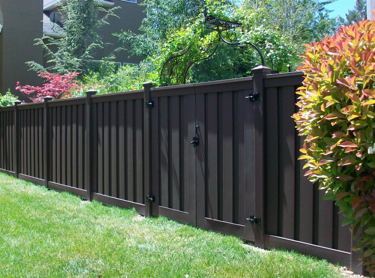 Trex composite fencing midwest fence for Fences privacy
